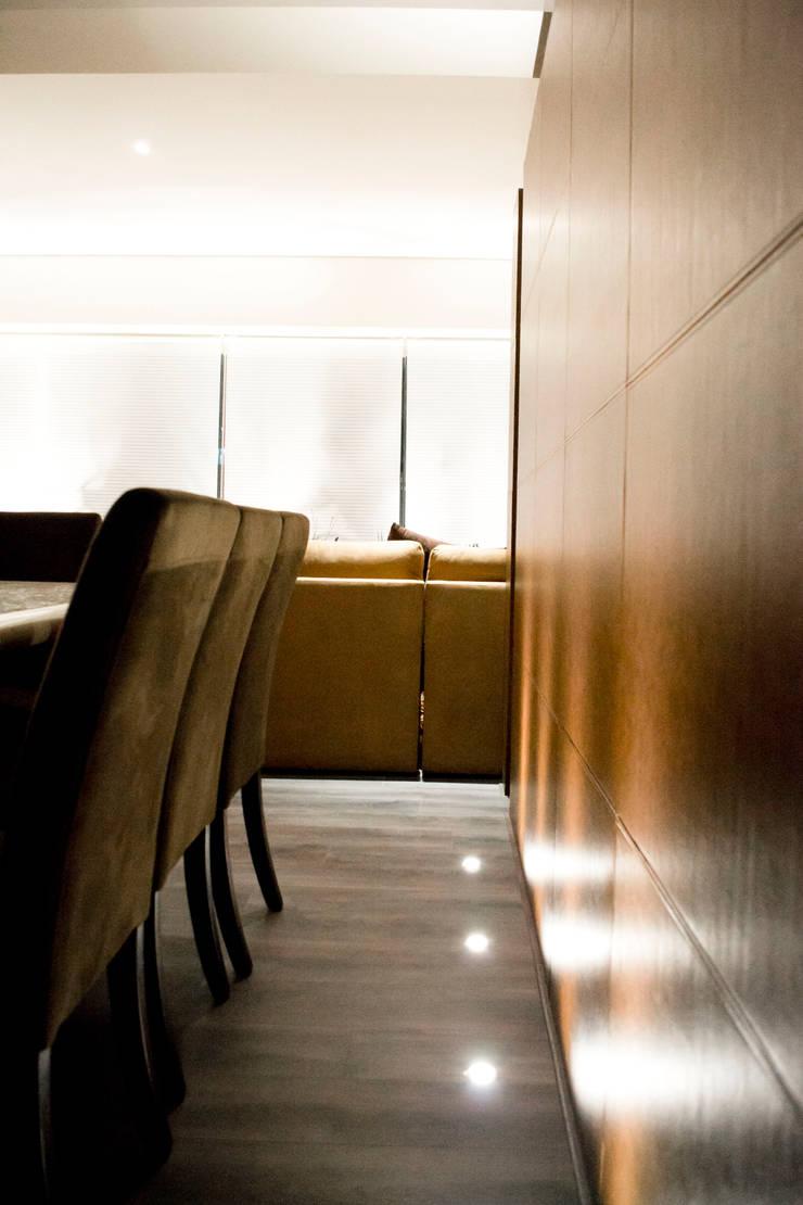 Hacienda del Ciervo: Comedores de estilo  por REM Arquitectos