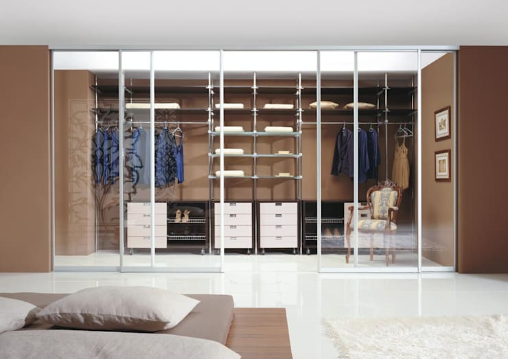 Sliding Wardrobe Doors:  Bedroom by Sliding Wardrobes World Ltd