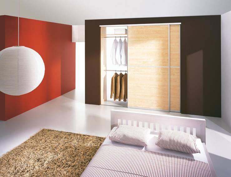 Sliding Wardrobe Doors:  Bedroom by Sliding Wardrobes World Ltd