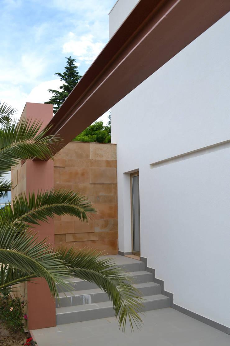 M. House: Case in stile  di G. Giusto - A. Maggini - D. Pagnano