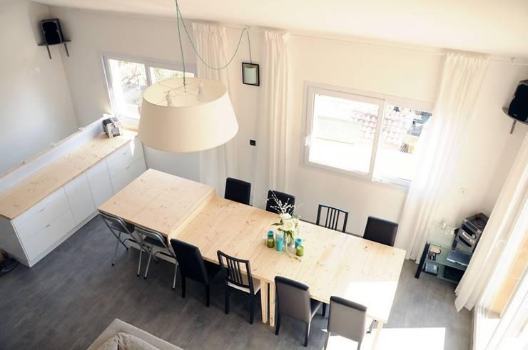 Le 16 - Espace de vie 1er étage: Maisons de style de style Moderne par Aurélie Ronfaut dite Thi-Lùu