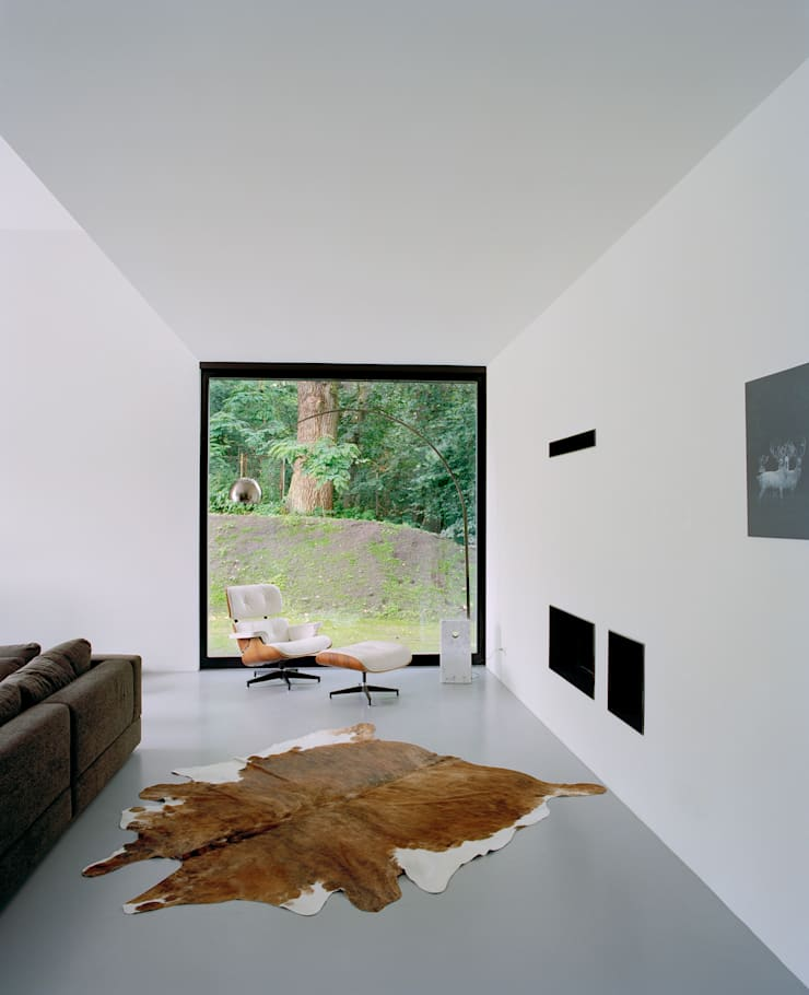 Privathaus bei Berlin:  Wohnzimmer von C95 ARCHITEKTEN