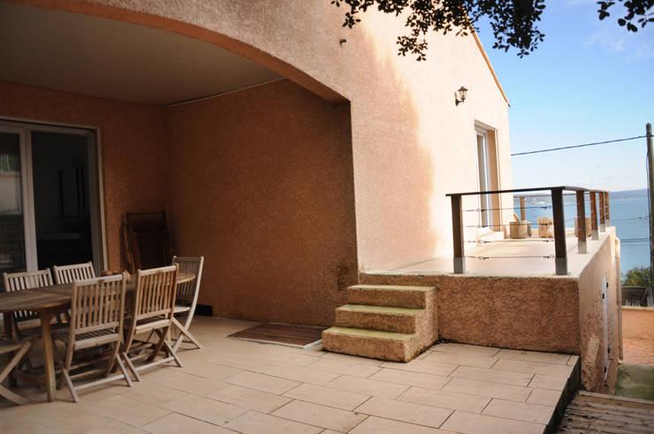 Le 16 - Terrasses: Maisons de style de style Méditerranéen par Aurélie Ronfaut dite Thi-Lùu