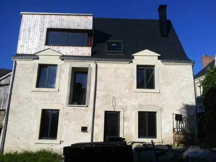 façade ouest: Maisons de style de style Moderne par DESarchitecture