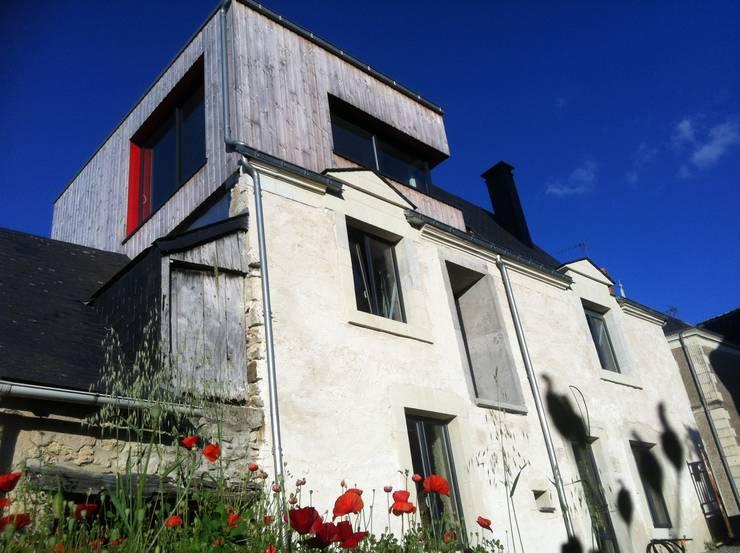 vue nord ouest: Maisons de style de style Moderne par DESarchitecture
