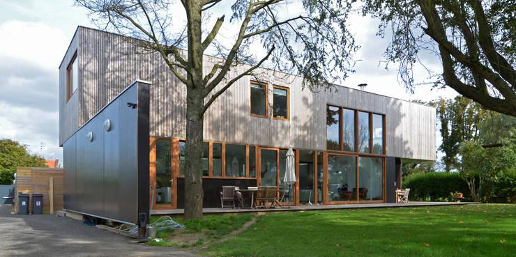 MAISON A LAMBERSART:  de style  par Lalou + Lebec Architectes