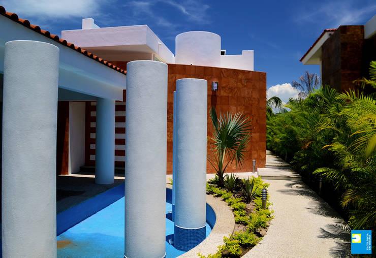 fuente: Casas de estilo  por Excelencia en Diseño
