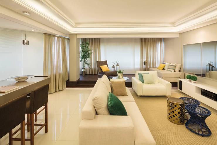 Sala de estar fechada Salas de estar modernas por AL11 ARQUITETURA Moderno