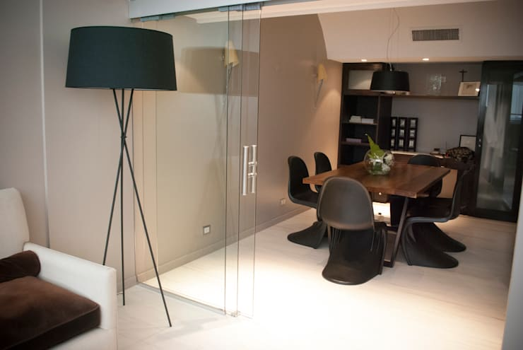 Mesa Trapecio: Hogar de estilo  por Muebles muc.