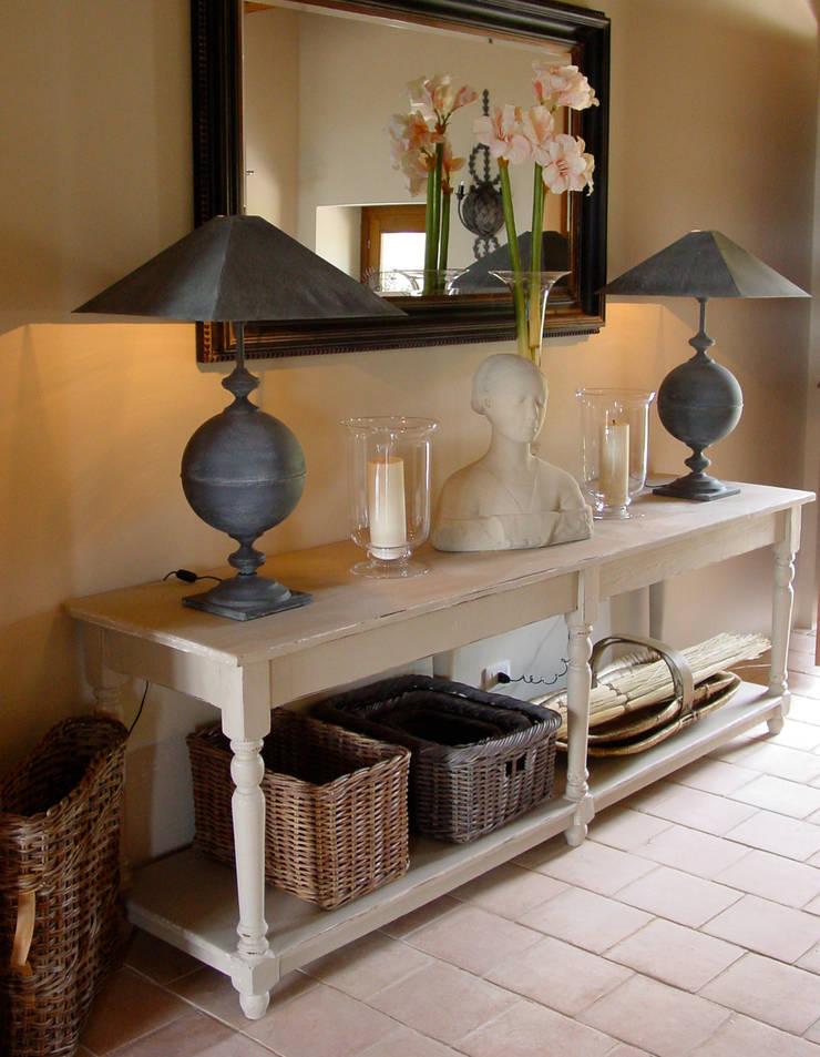 Hallway in an Italian Villa:  Kitchen by Clifford Interiors