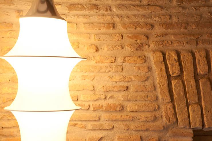 Suite a Trastevere: Case in stile  di Archifacturing, Eclettico