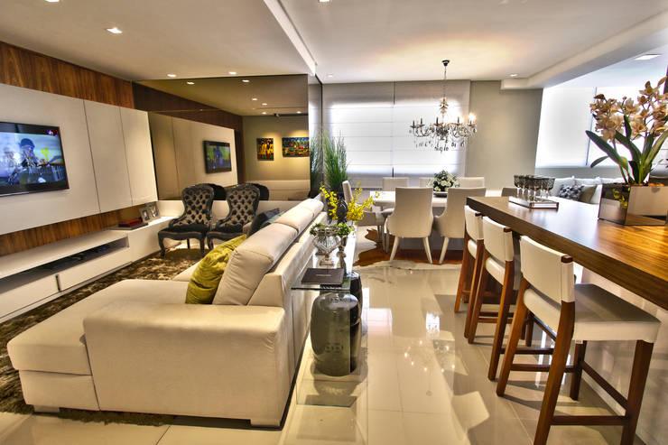 Espaços integrados: Salas de estar modernas por AL11 ARQUITETURA