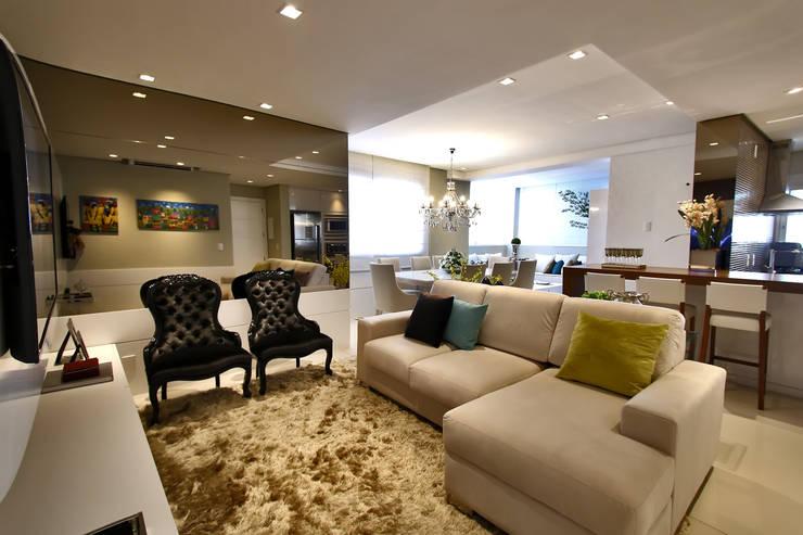 Sala de estar: Salas de estar modernas por AL11 ARQUITETURA