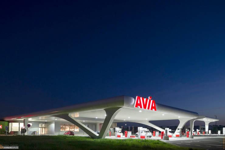 Aire De Jaunay Clan: Espaces commerciaux de style  par SELARL Nicolas DAVID Architecte
