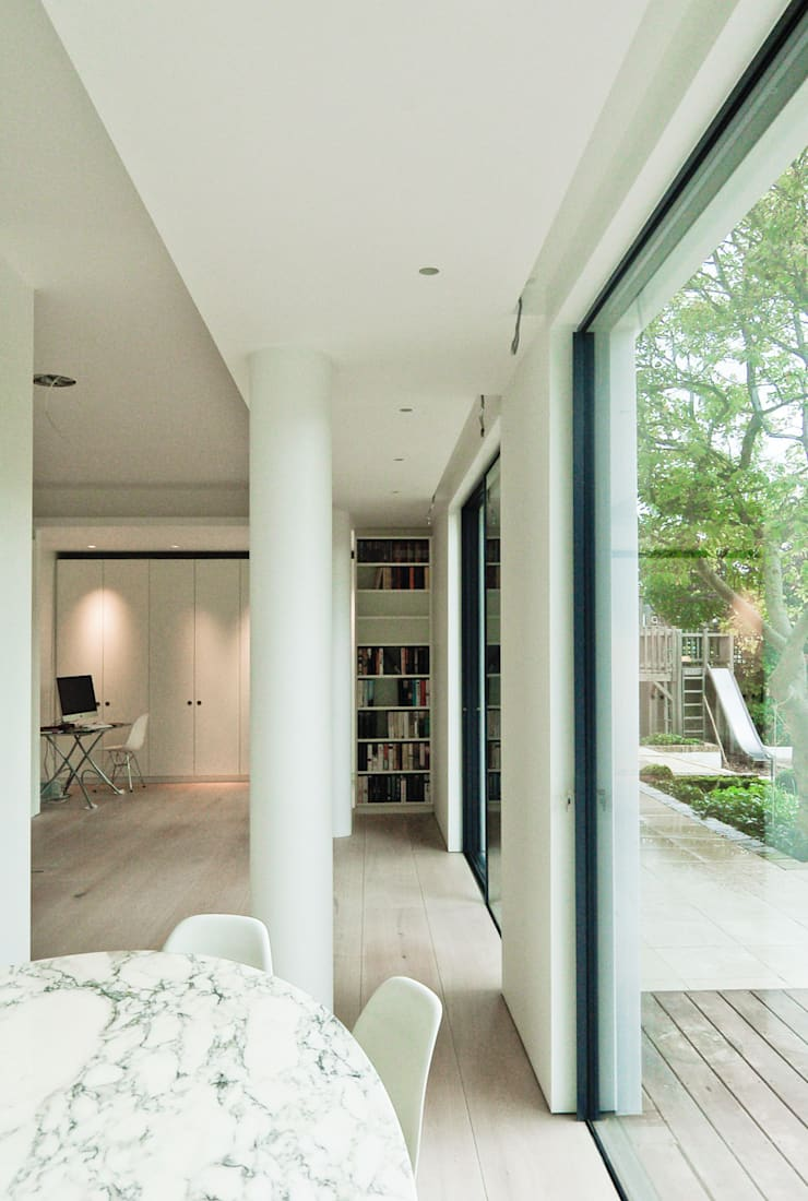 Aberdeen Park, Highbury:  Dining room by Emmett Russell Architects