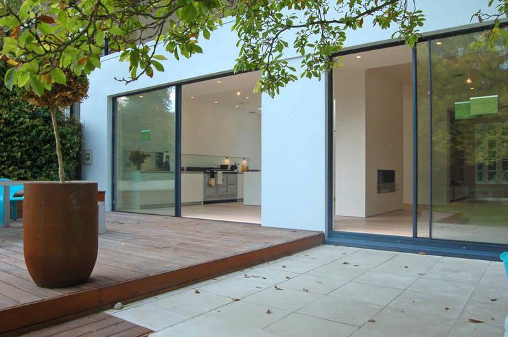 Aberdeen Park, Highbury:  Terrace by Emmett Russell Architects
