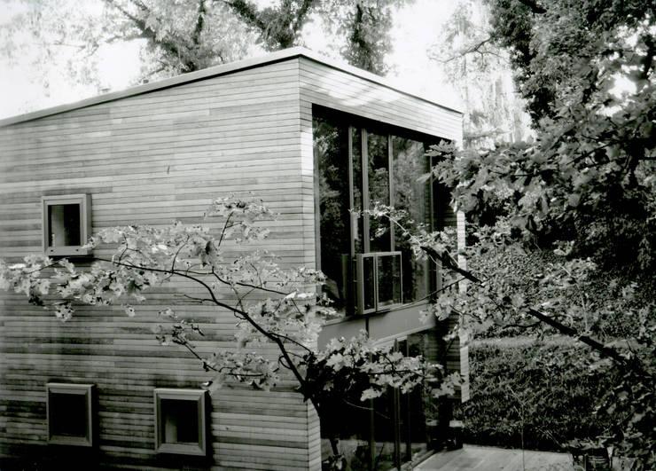 Houses by IOX Architekten GmbH, Modern