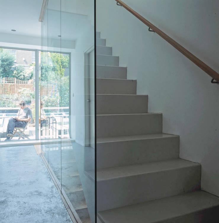 Hillside Houses, Montpelier:  Corridor & hallway by Emmett Russell Architects