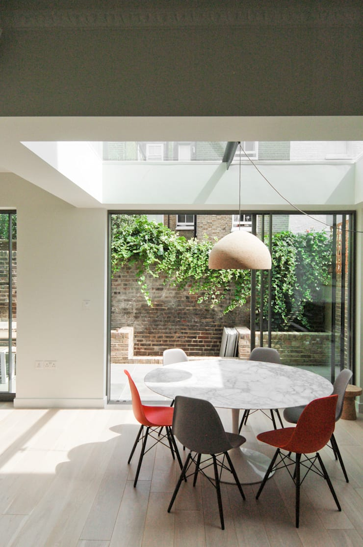 Lilyville Road, Fulham:  Dining room by Emmett Russell Architects