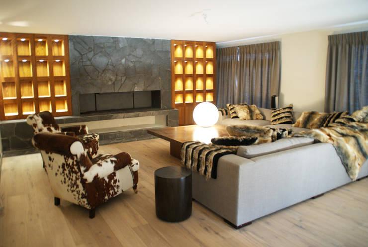 modern Living room by Design d'azur