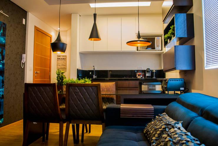 Estar/Jantar/Cozinha: Salas de jantar  por Fernanda Alonso - Arquitetura e Interiores