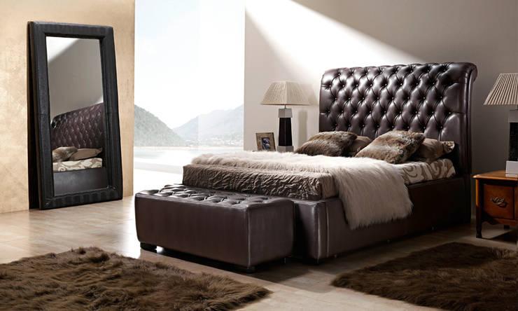 CABEZAL VEGA: Dormitorios de estilo clásico de NECTAR LIVING HOME S.L.