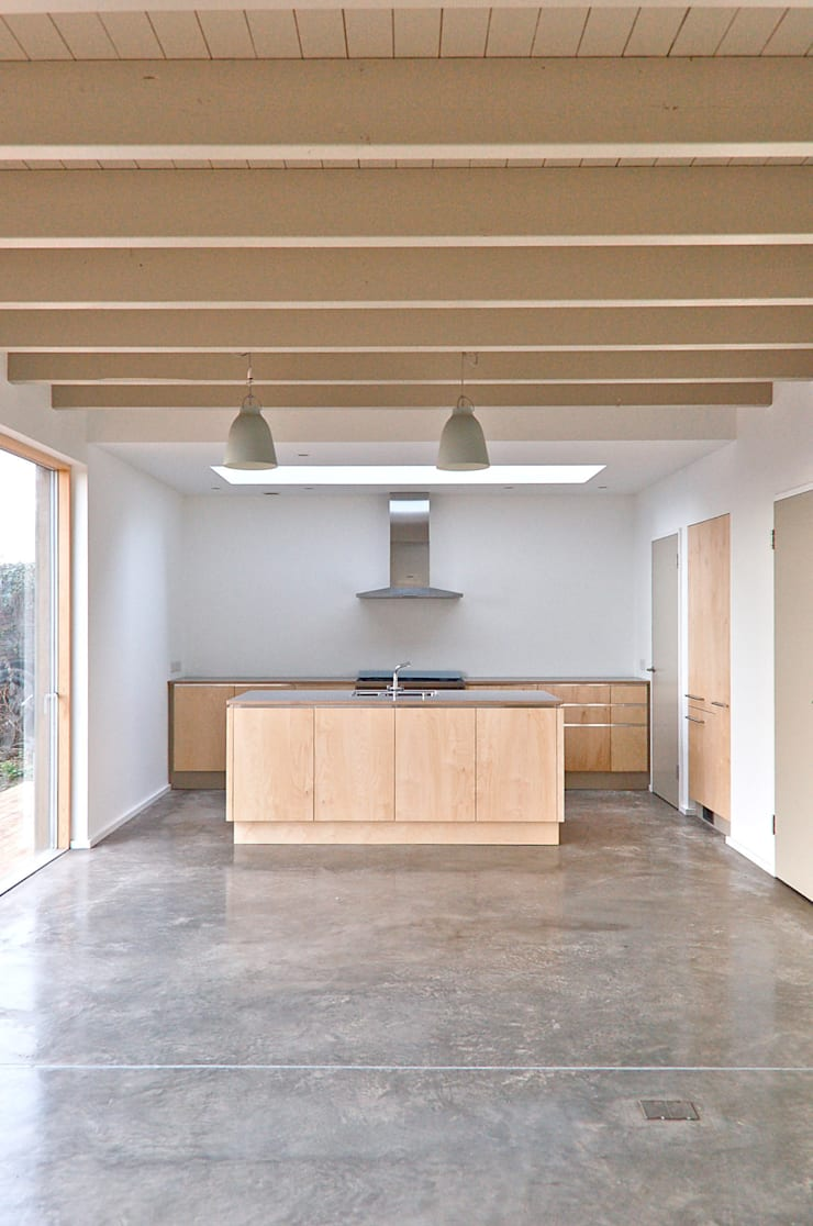 Rose House, Kingsdown:  Kitchen by Emmett Russell Architects