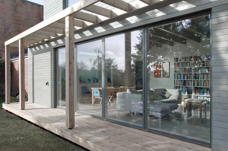 Rose House, Kingsdown:  Terrace by Emmett Russell Architects
