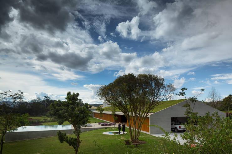 M&M House: Casas modernas por Studio MK27
