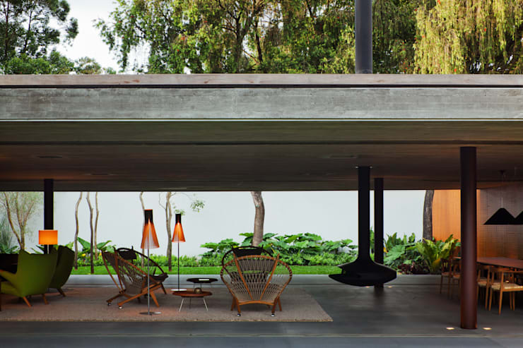 V4 House: Casas modernas por Studio MK27
