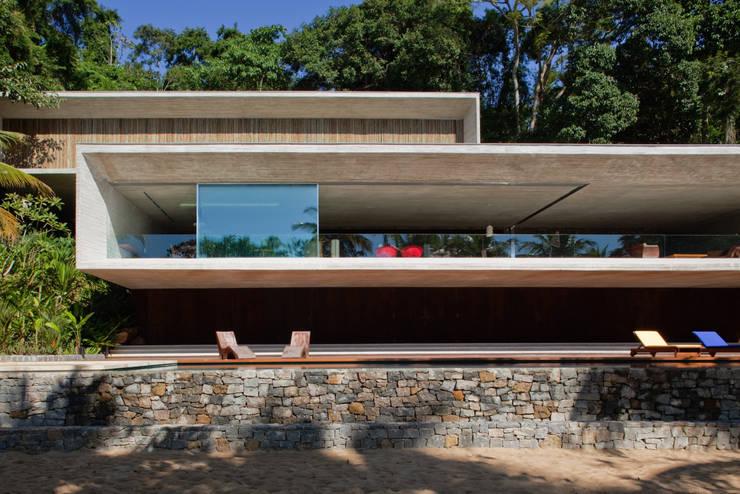 Casas de estilo moderno de Studio MK27
