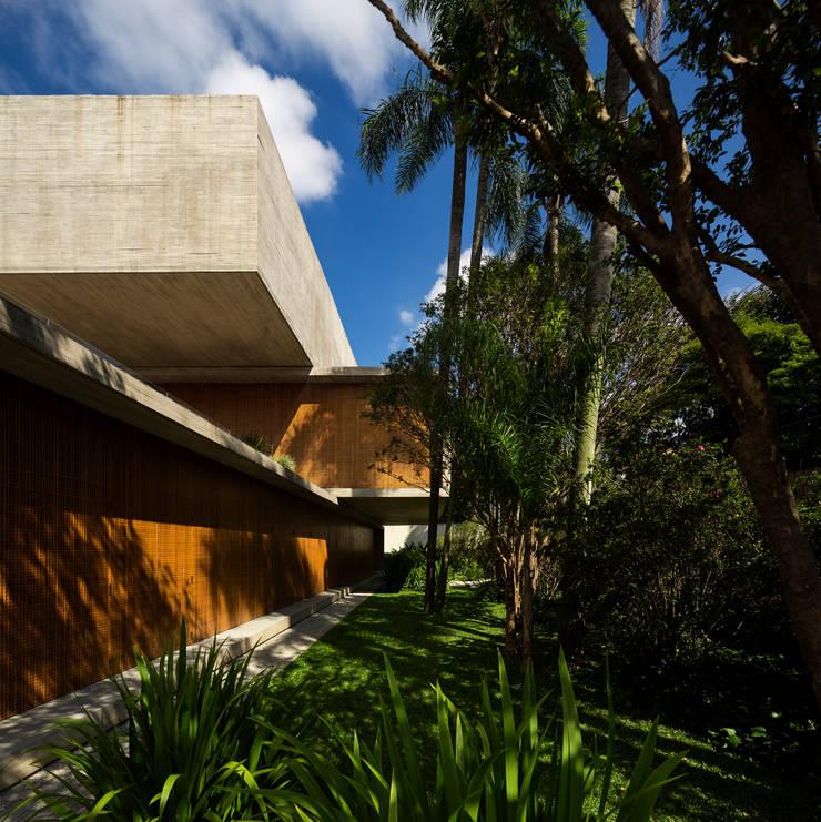 Houses by Studio MK27,
