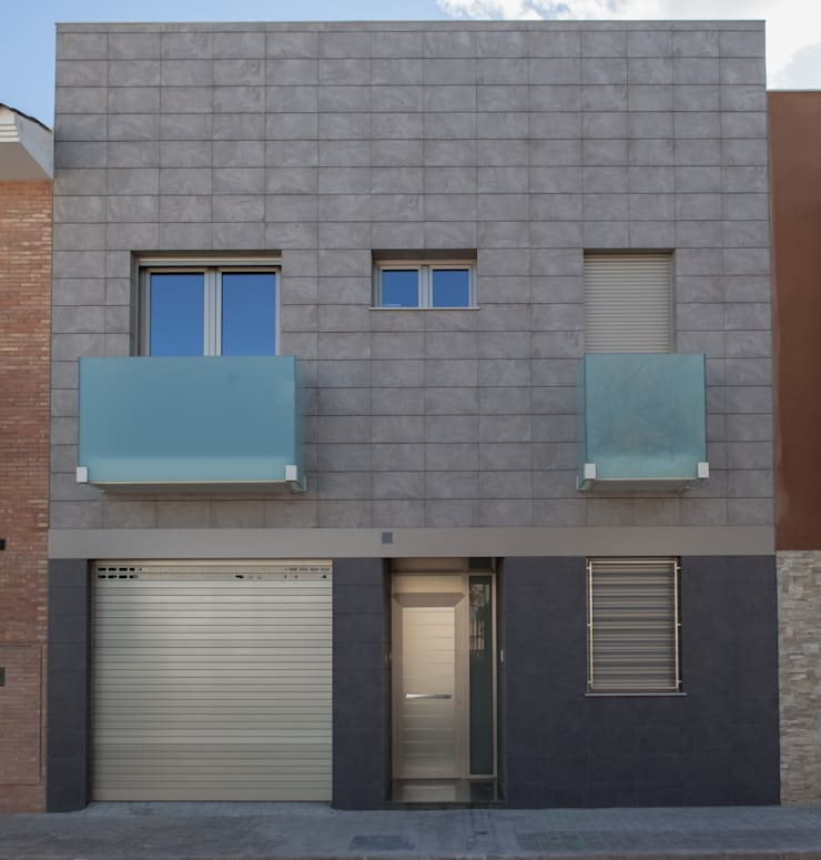 Vivienda unifalimiar adosada.: Casas de estilo  de AUREA ARQUITECTOS