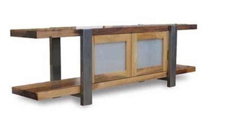 Fabrica de muebles de teka: Paisajismo de interiores de estilo  de Ale debali study
