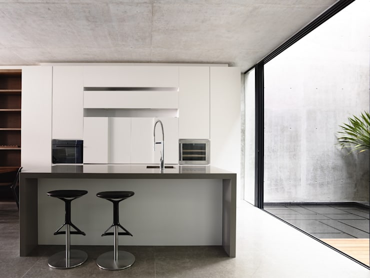 Well of Light:  Kitchen by HYLA Architects
