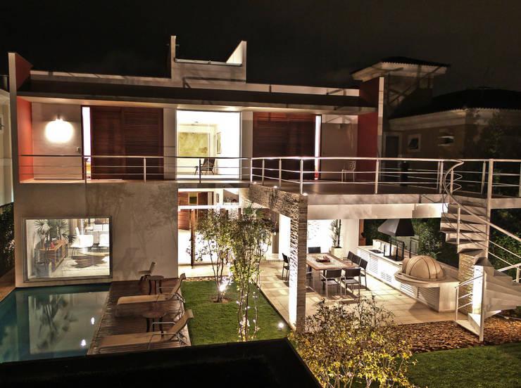 Pernambuco: Casas modernas por FCstudio