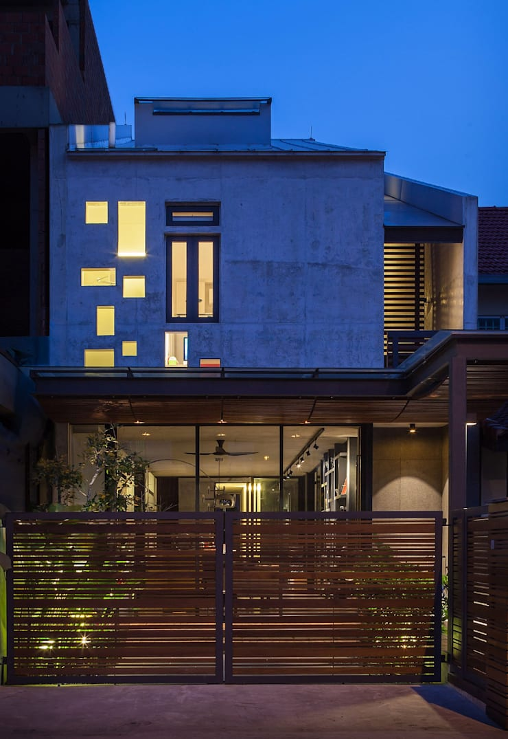 Houses by HYLA Architects,