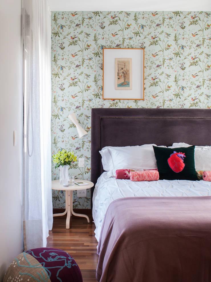 Residência Canário: Quartos  por Mauricio Arruda Design