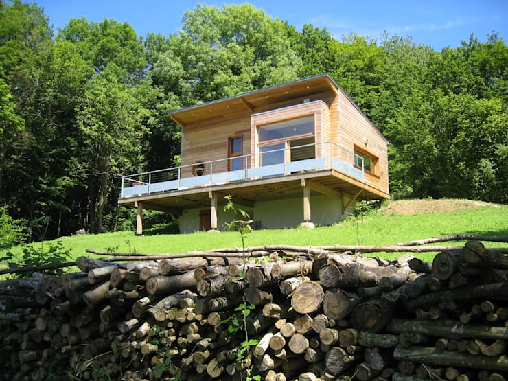 Extension d'une maison forestière: Maisons de style de style Moderne par L'établi