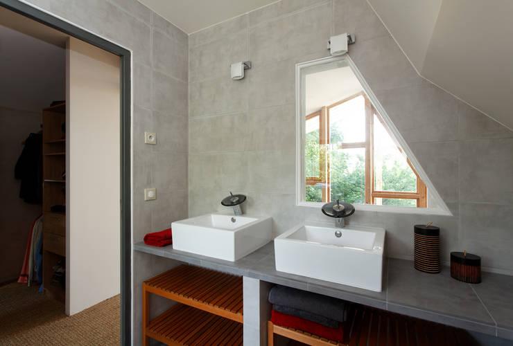 Case in stile in stile Rustico di atelier eem
