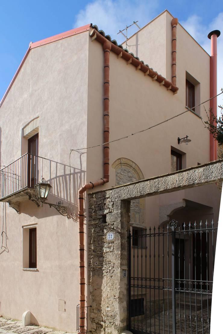 Case Coppola:  in stile  di Gianni Ingardia Architetto