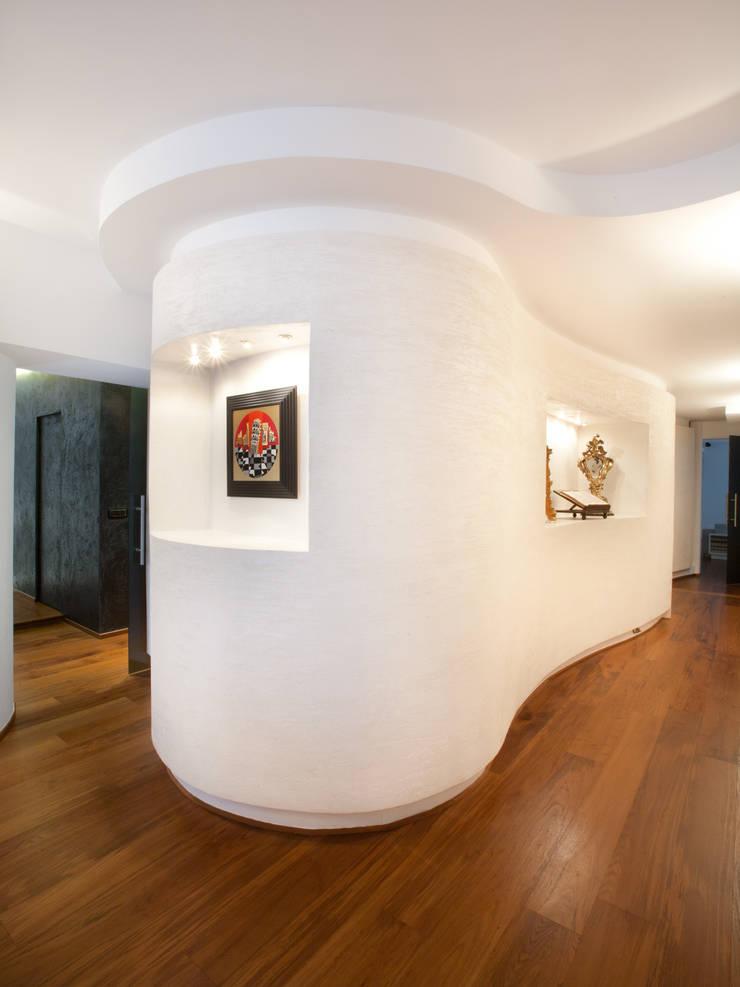 VIA AVOGADRO BIS_2010:  in stile  di G*AA - Giaquinto Architetti Associati, Moderno