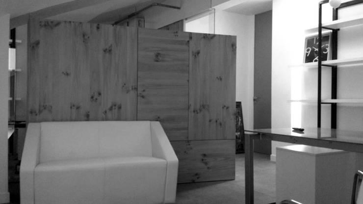 ufficio BO.RA. s.r.l. San Marcellino (CE):  in stile  di StudioZero