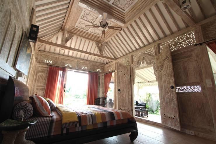 Casas de madera reciclada : Casas de estilo  de Ale debali study