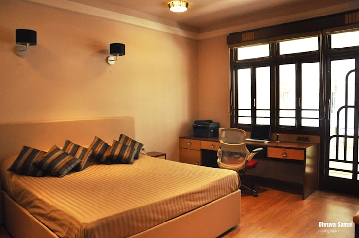 Residence at Colaba:   by Dhruva Samal & Associates