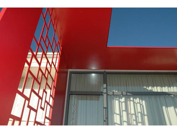 Gazonfier: Maisons de style  par guillaume payeur architecte