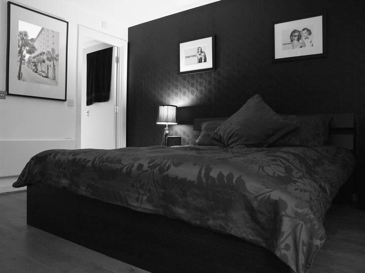 Master Bedroom:  Bedroom by elliot James Pte Ltd