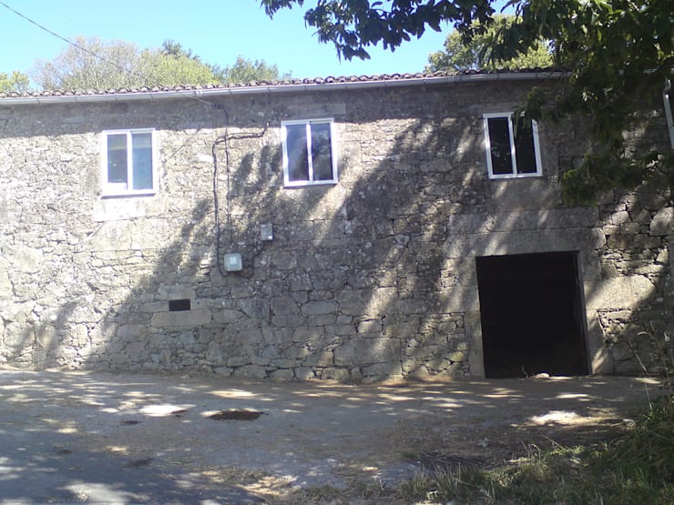 Fachada antes de la obra: Casas de estilo  de Adro Construcciones