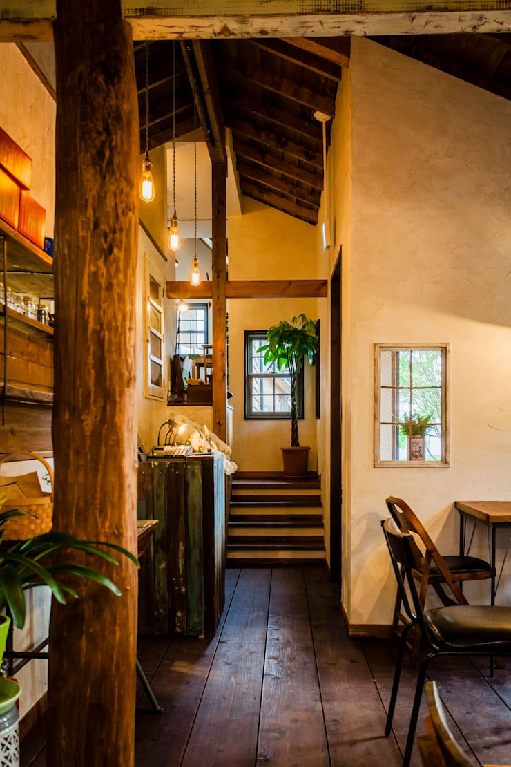 cafe MON marushime: 株式会社シーンデザイン建築設計事務所が手掛けたレストランです。,