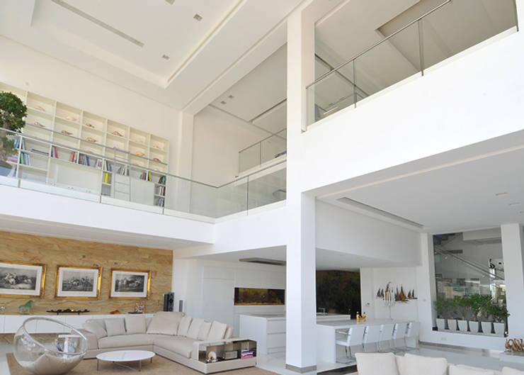 Wohnzimmer von Lo Studio Mammini Candido
